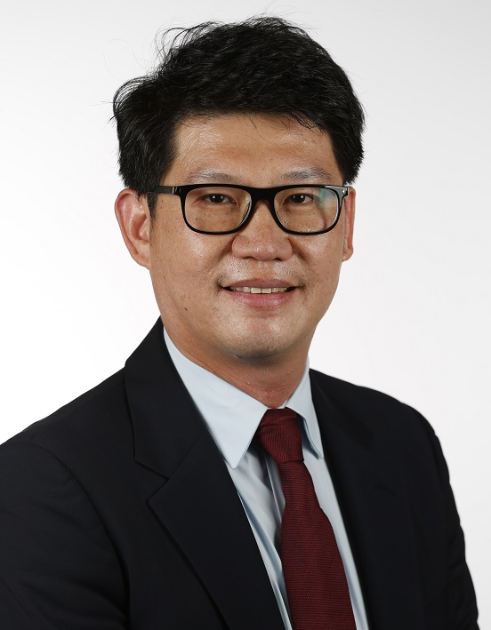 Dr Dominic Lee
